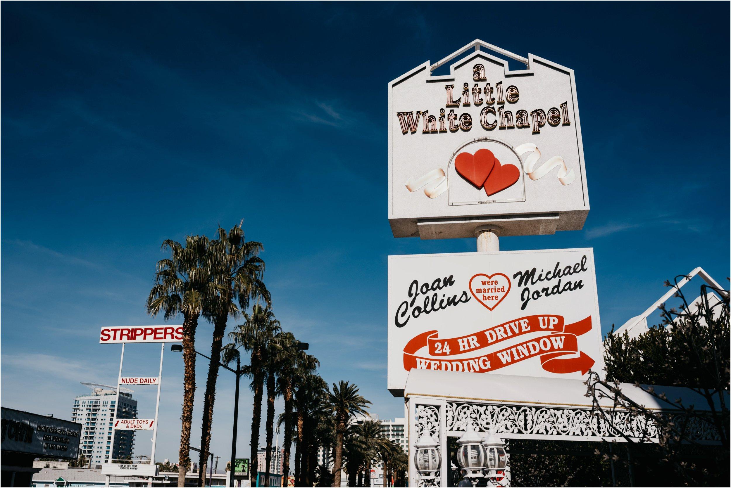 Vegas elopement destination wedding photographer_0093.jpg