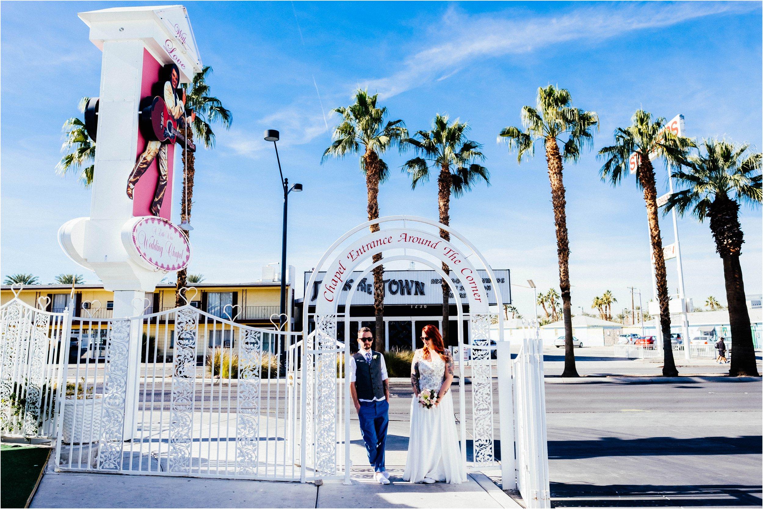 Vegas elopement destination wedding photographer_0098.jpg