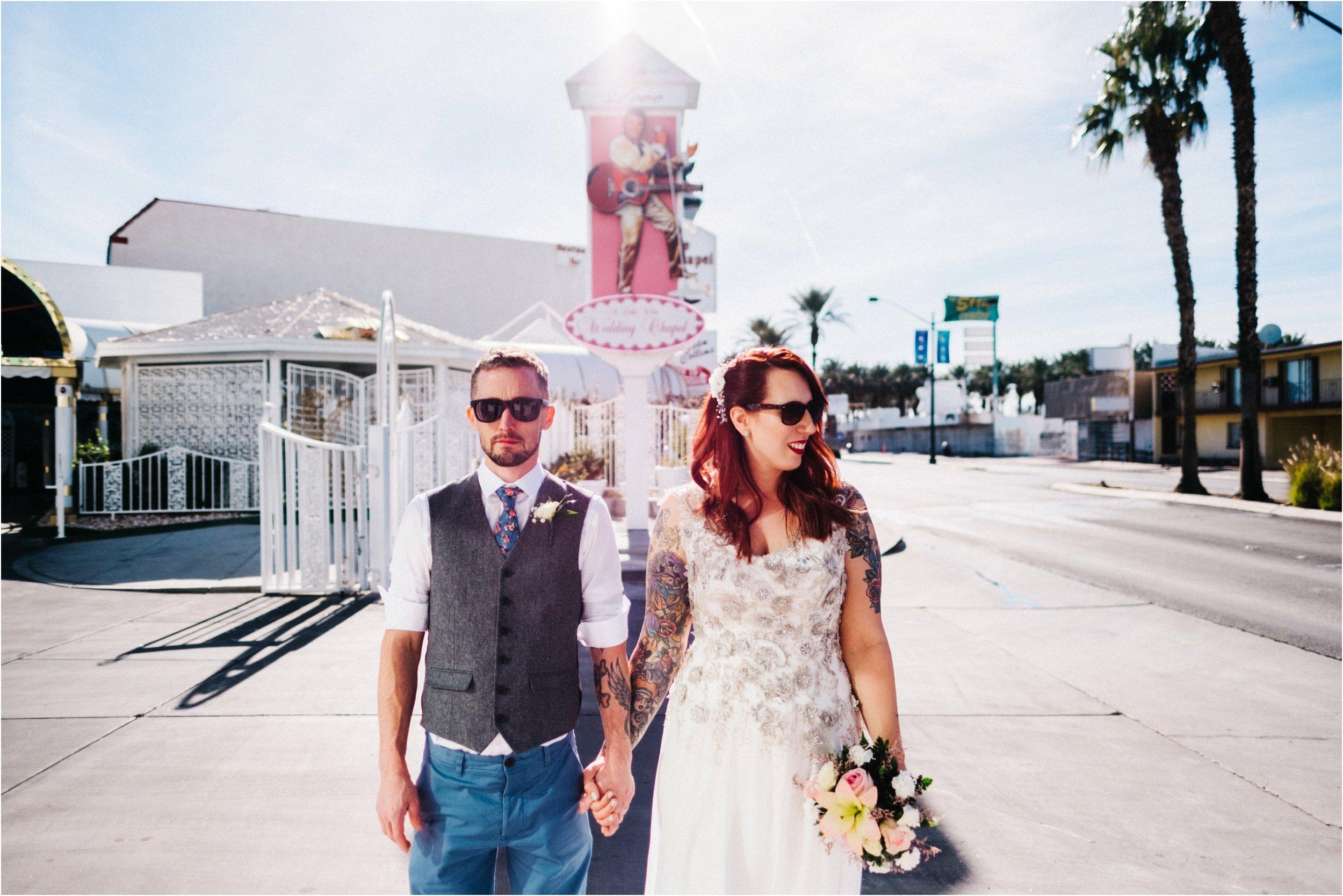 Vegas elopement destination wedding photographer_0101.jpg
