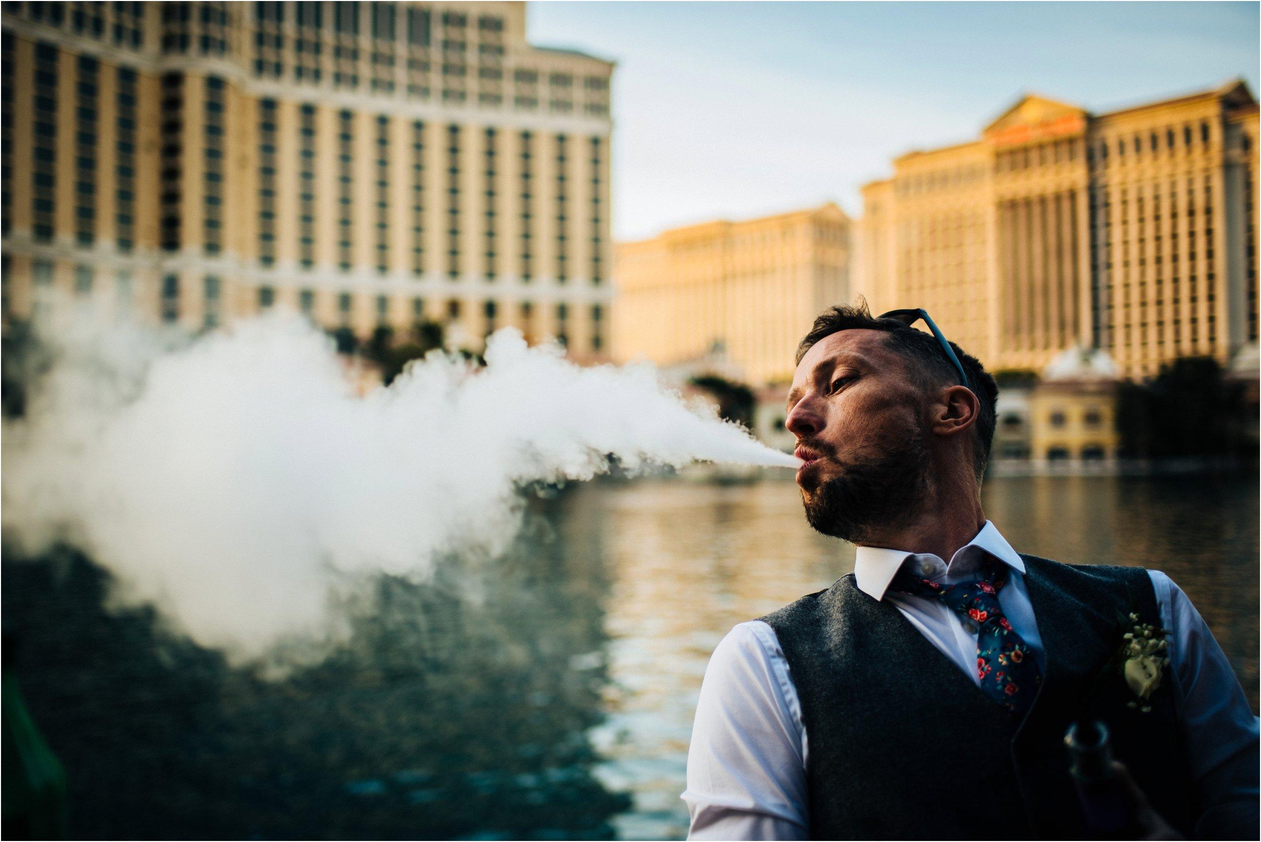 Vegas elopement destination wedding photographer_0152.jpg