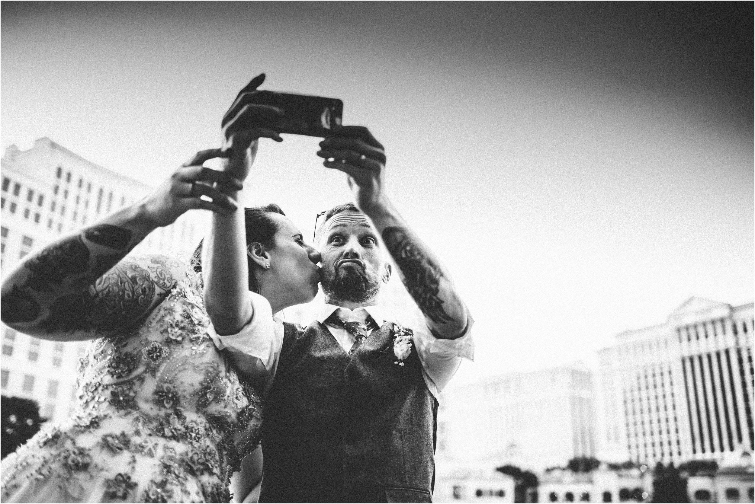 Vegas elopement destination wedding photographer_0157.jpg