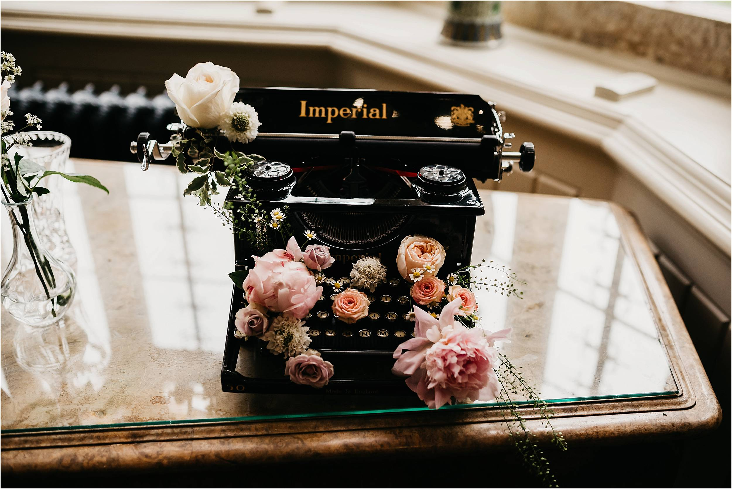 Elmore Court Wedding Photography_0044.jpg