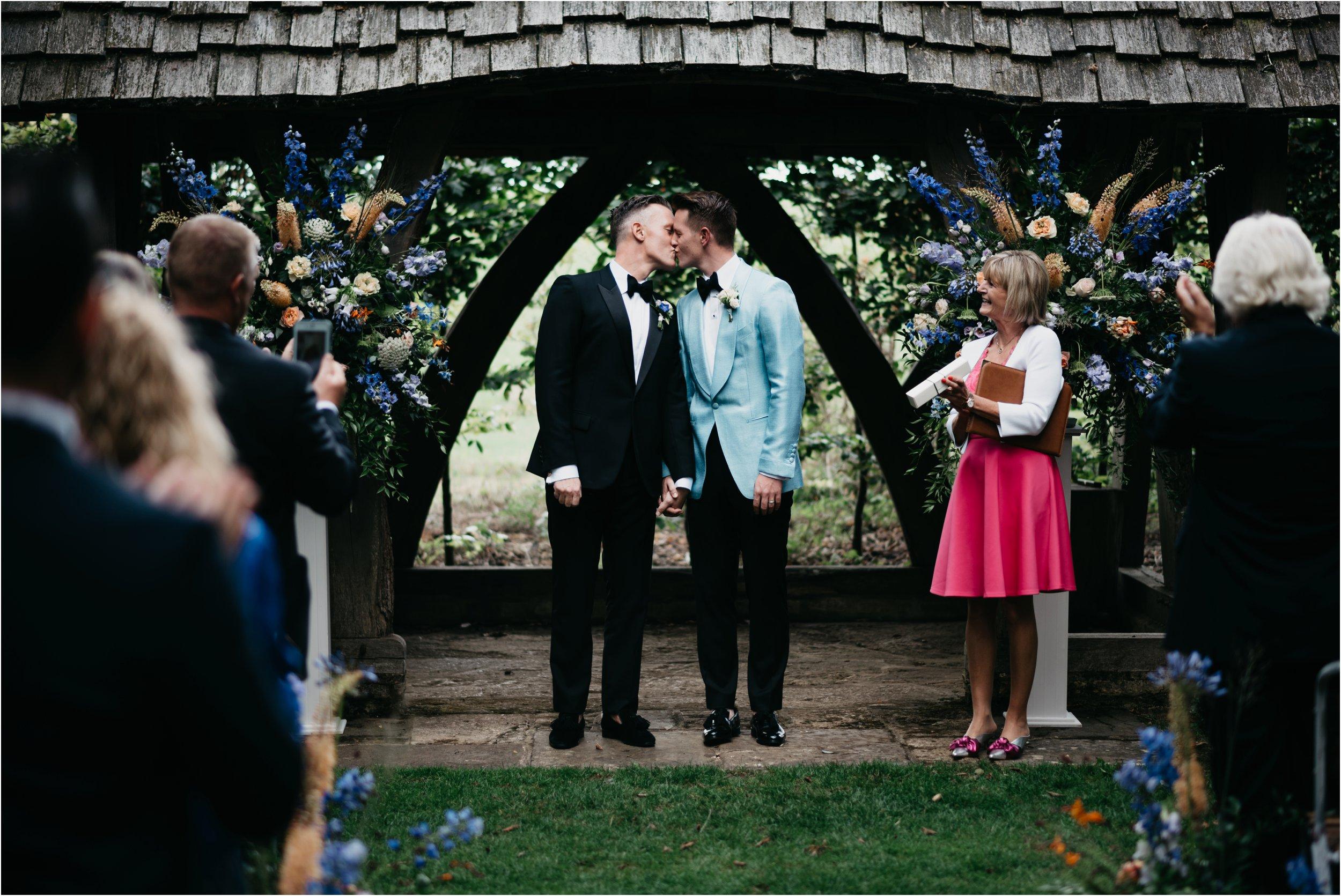 Cripps Barn wedding photography_0077.jpg