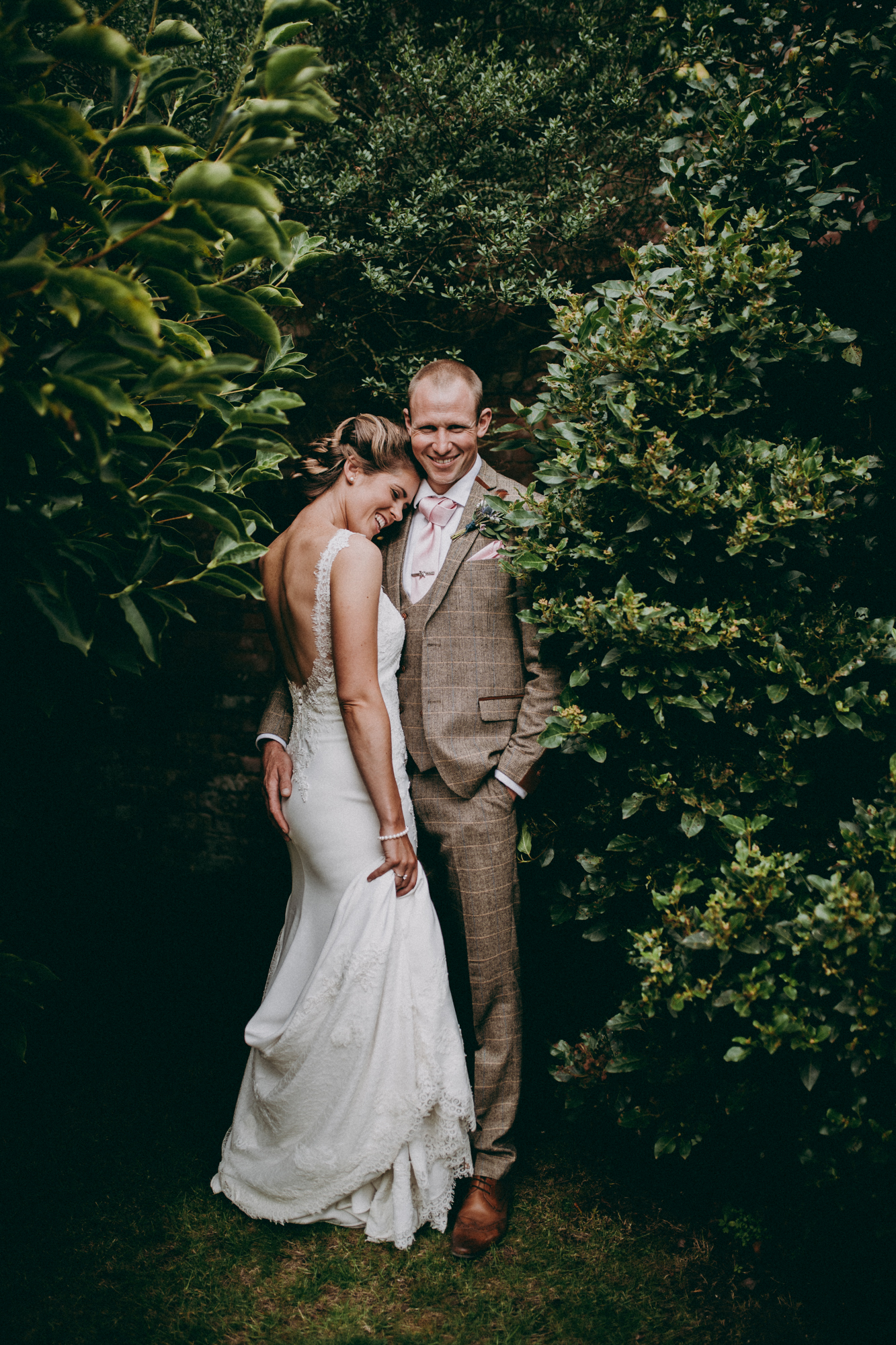 Cotswold Countryside wedding photography - Rebecca and Chris