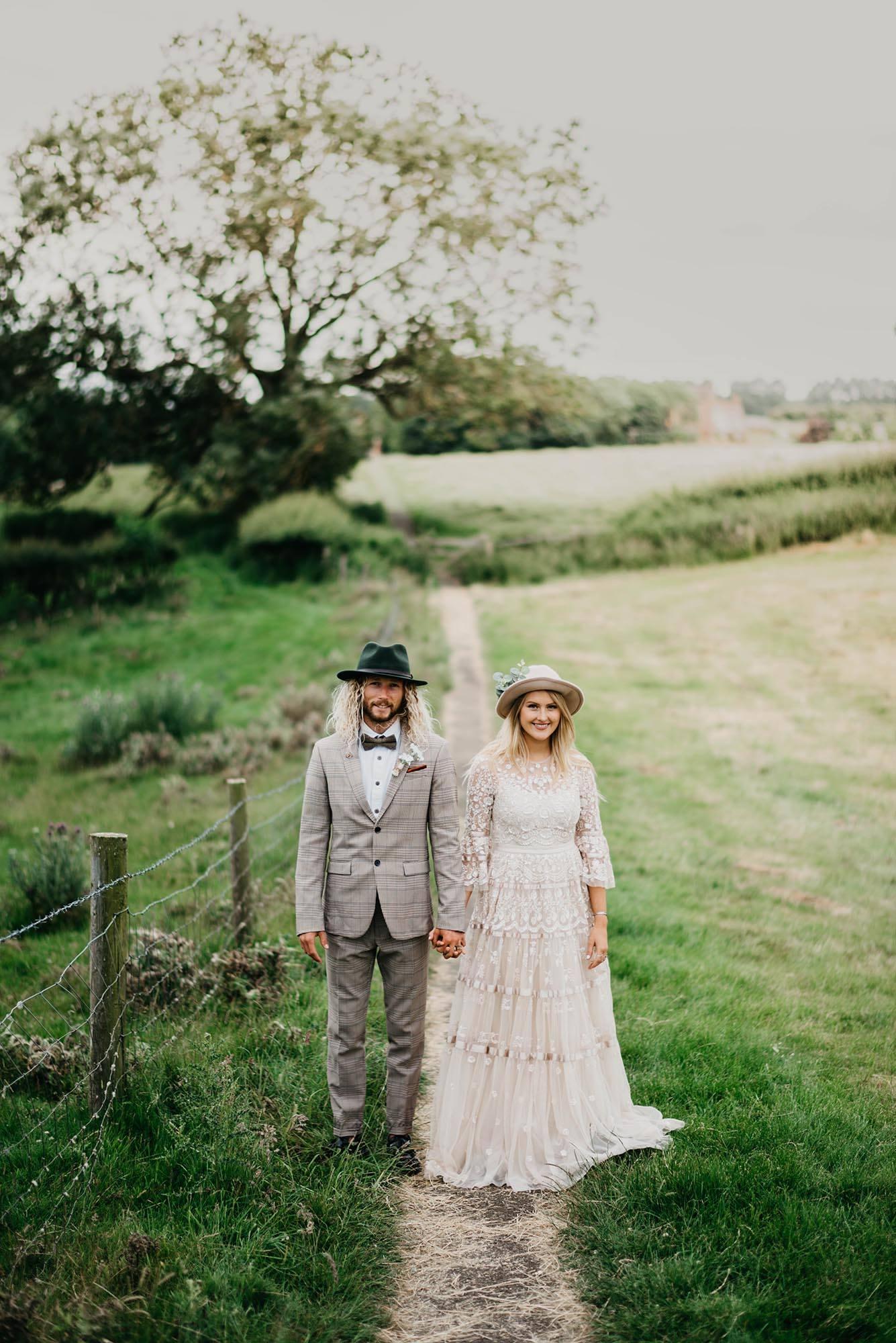 Boho countryside wedding photography - Steph and Matt