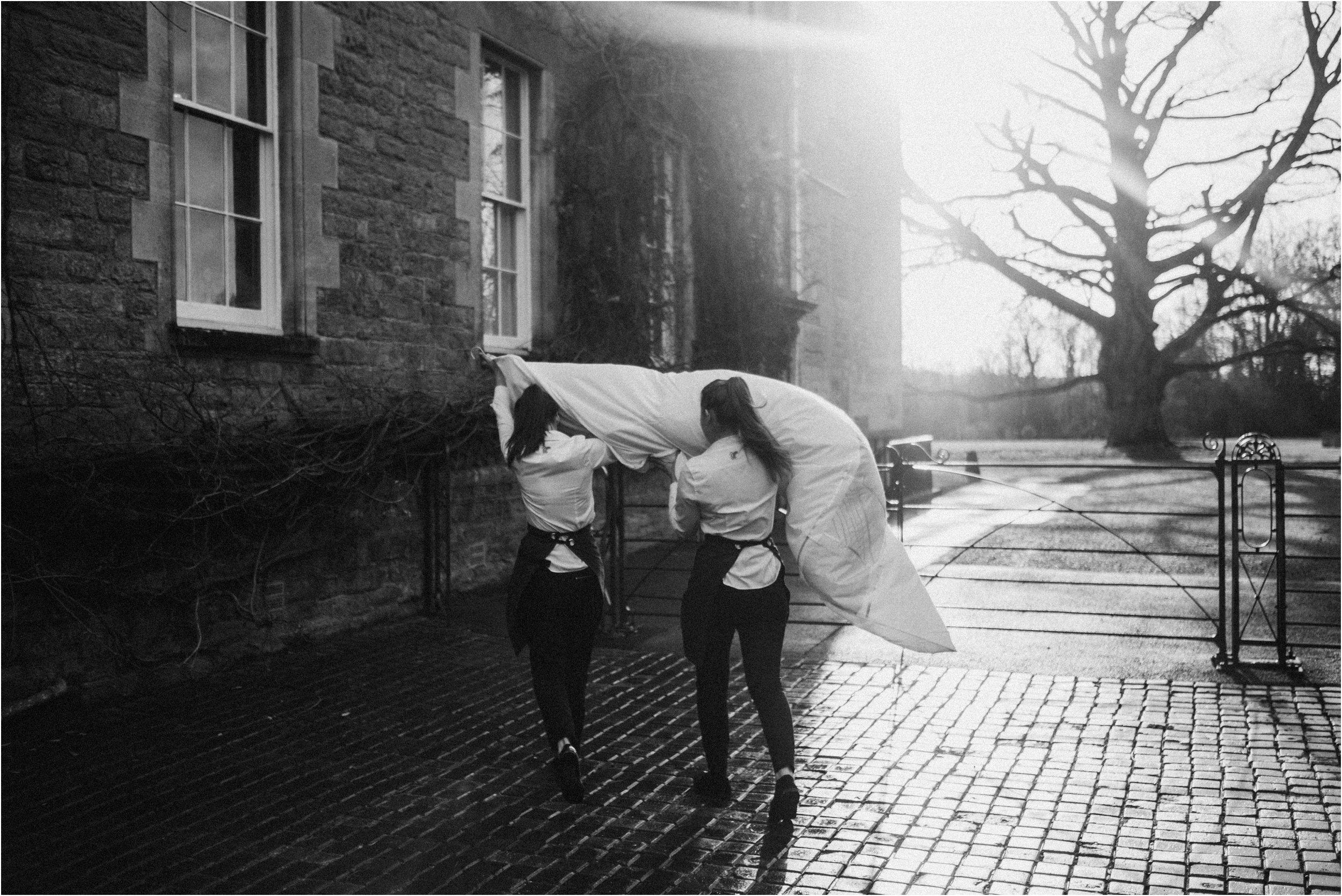 Elmore Court documentary wedding photography_0016.jpg