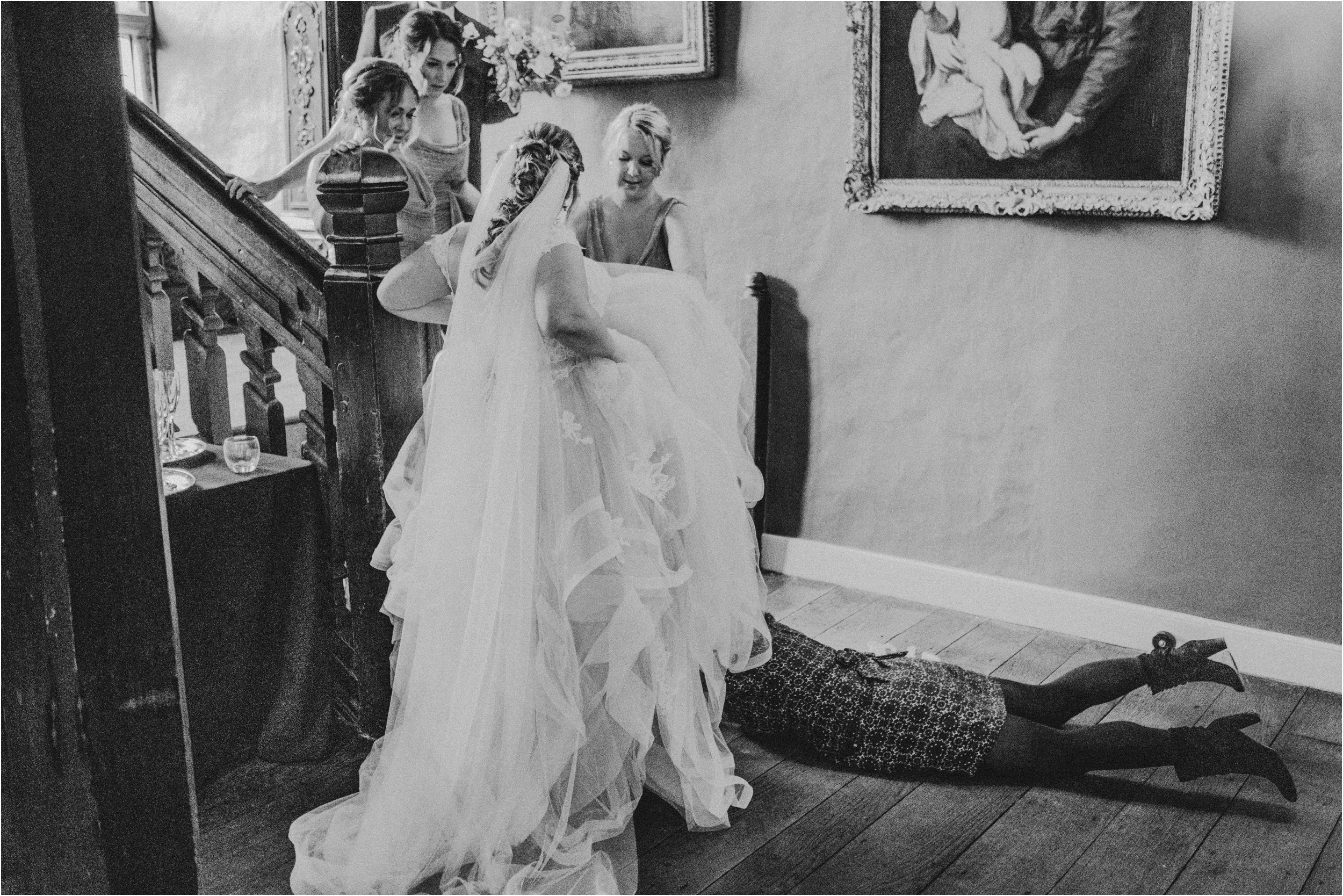 Elmore Court documentary wedding photography_0059.jpg