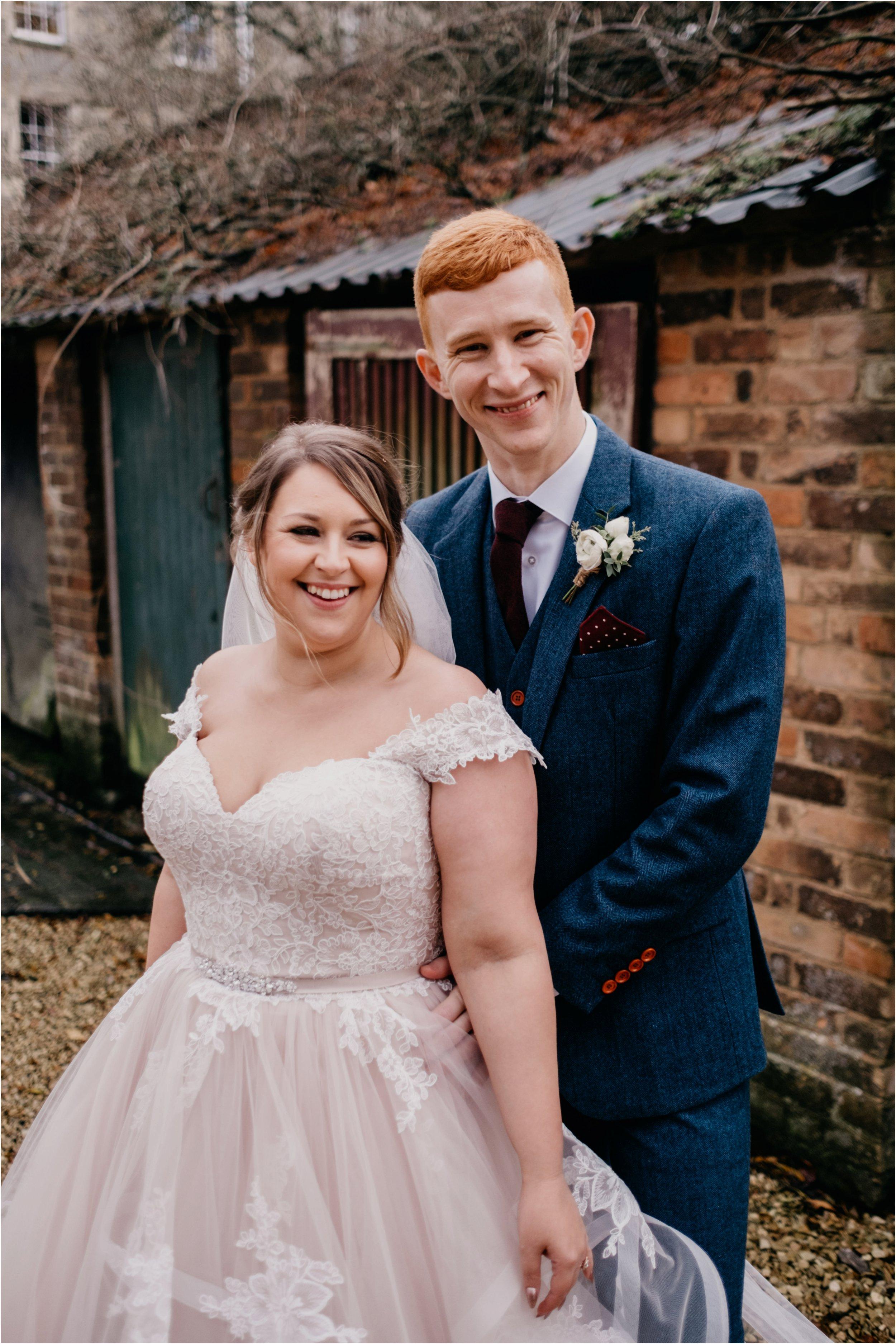 Elmore Court documentary wedding photography_0109.jpg