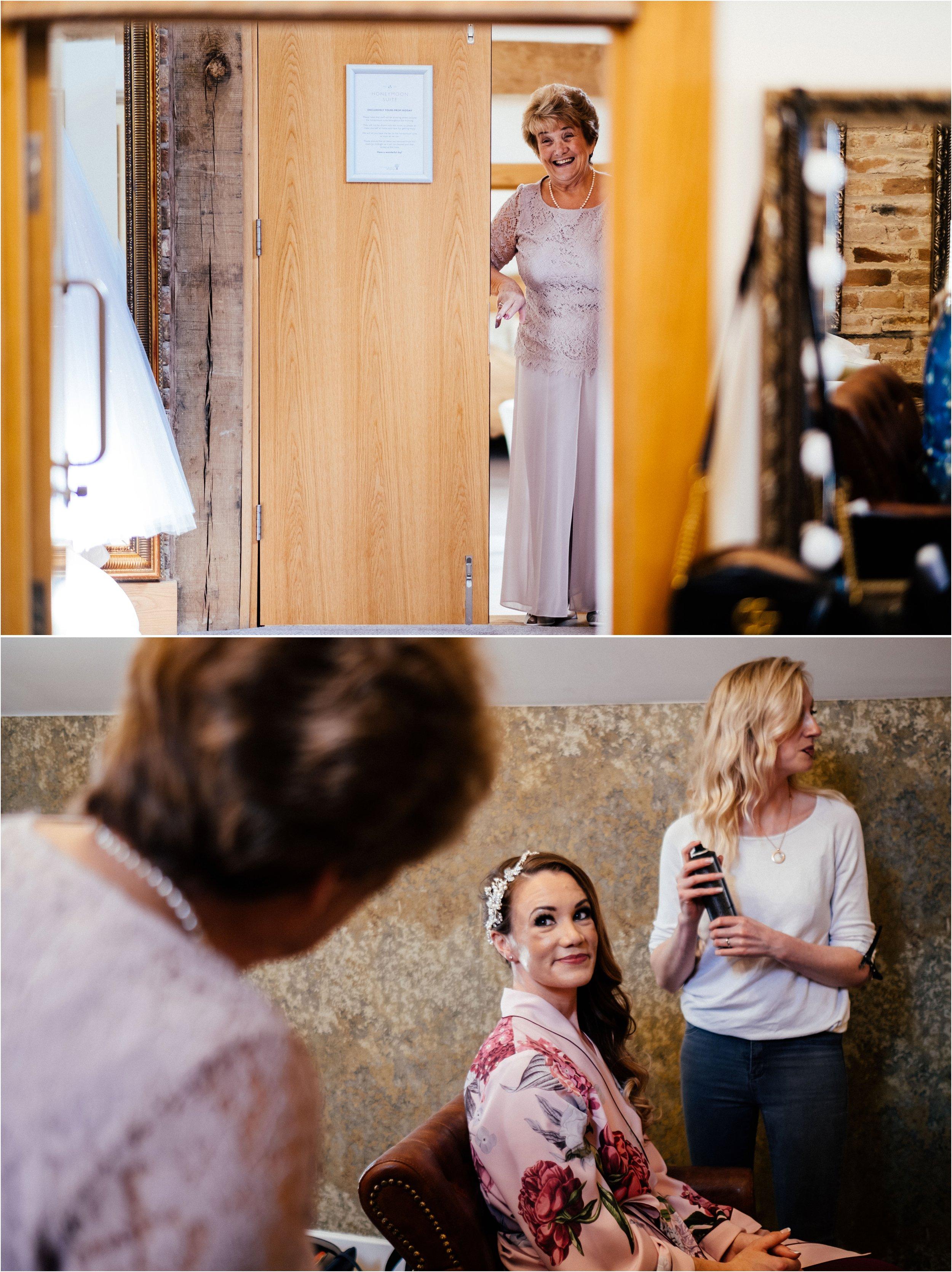 Mythe Barn wedding photographer_0028.jpg