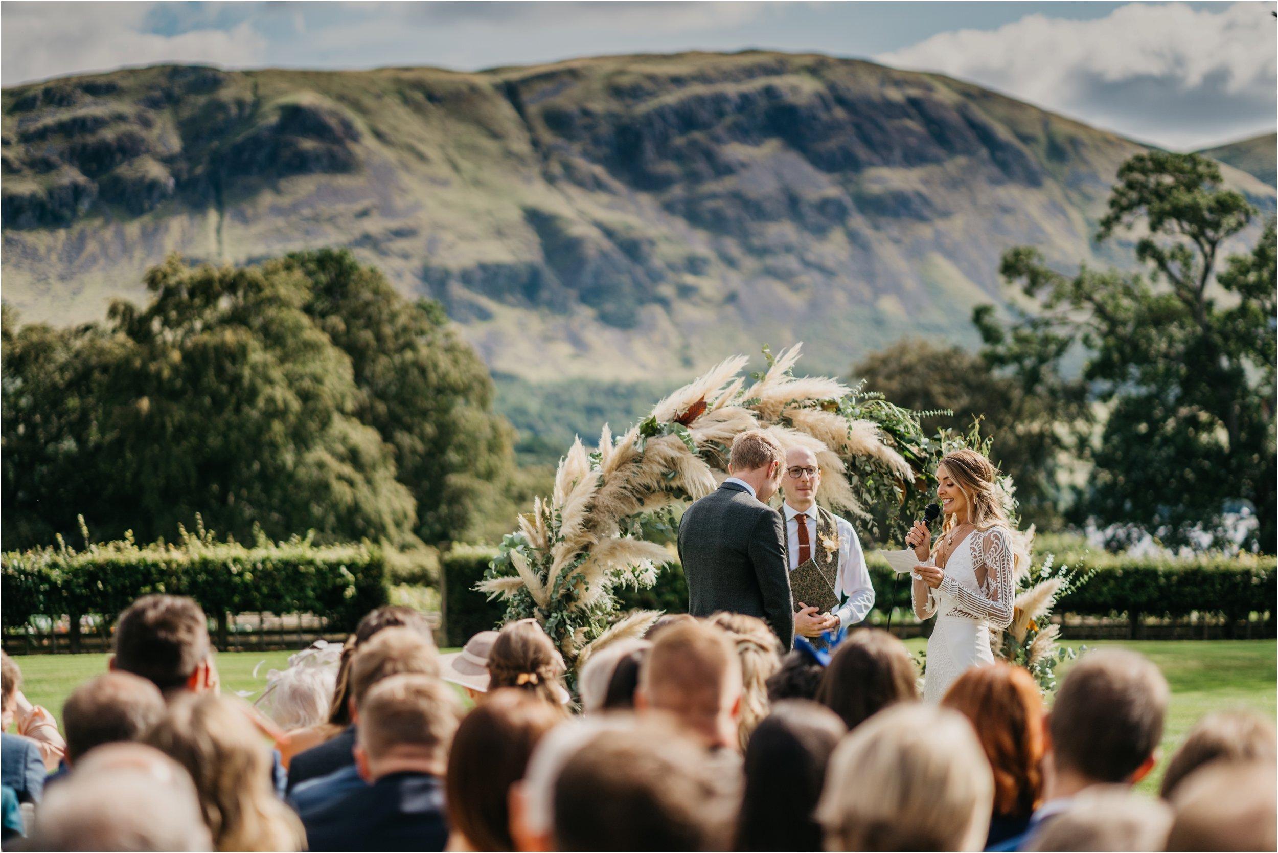 Lake District wedding photographers_0103.jpg