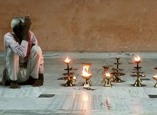 🕯️⠀ Don't you know yet? It is your light that lights the worlds.⠀ ~ ℛumi ⠀ .⠀ .⠀ .⠀ #rumi #wisdom #candle #light #bethelight #pray #ritual #india #explore #expand #evolve #learn #meditate #stillness #yoga #yycyoca #meditation #beherenow #bestill #puja #yogi #listen #growth #transform #presence #present #soulseed #journey #wander