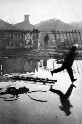 Henri Cartier-Bresson (1932, France).