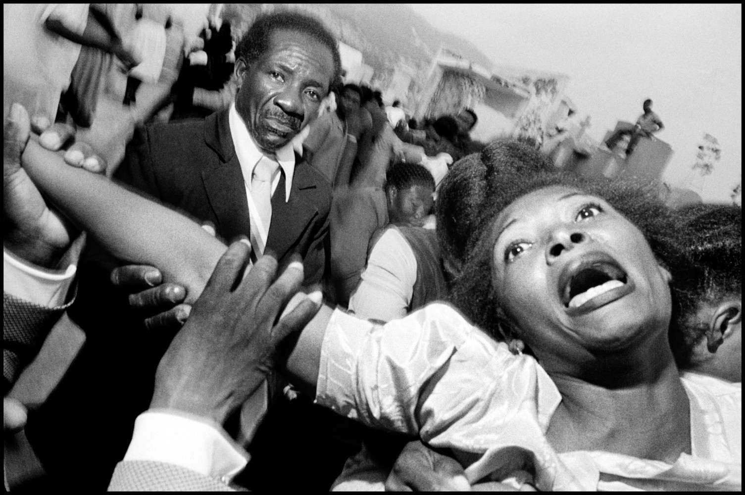 Bruce Gilden (1988, Haiti).