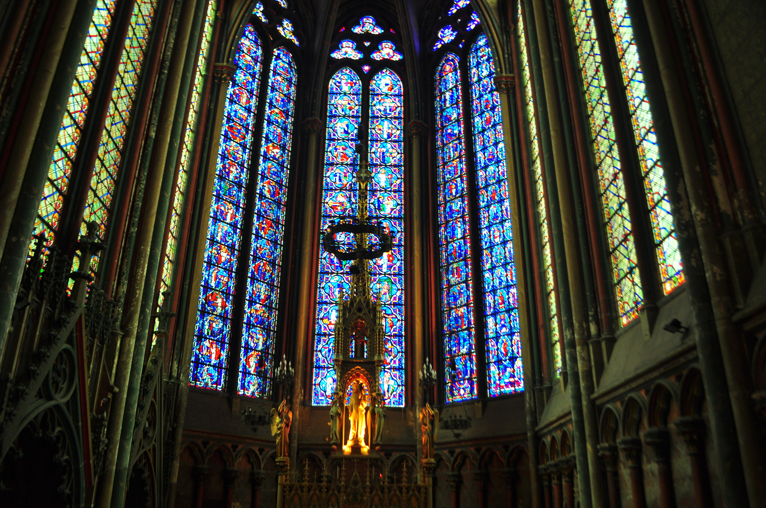Notre Dame can fit inside Amien's cathedral