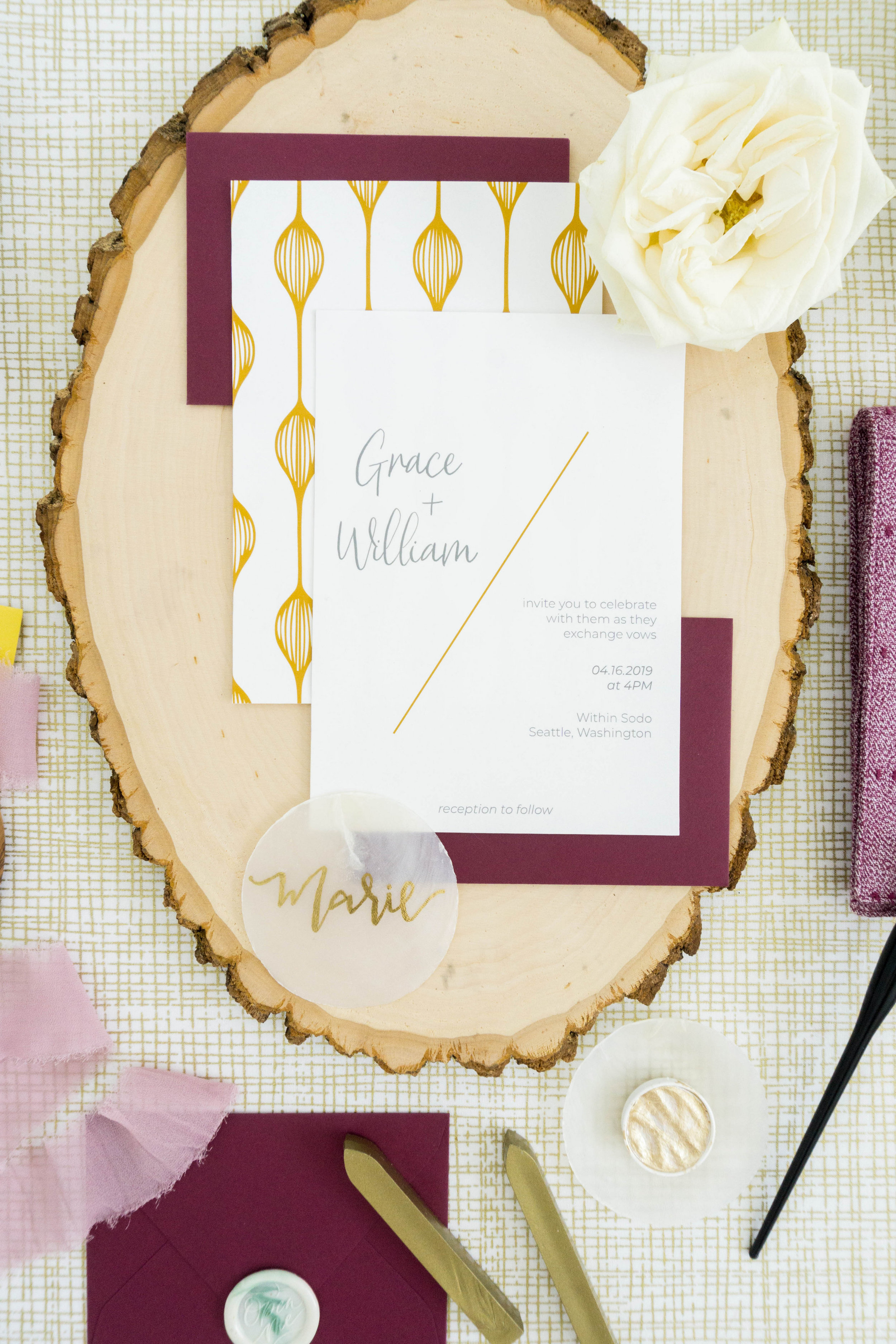 love-fern-design-studio-custom-wedding-invitations-for-the-modern-couple-modern-calligraphy-in-seattle-washington-custom-wedding-stationery-maroon-gold-trendy
