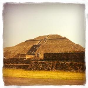 Pyramid_Sun_Teo.jpg