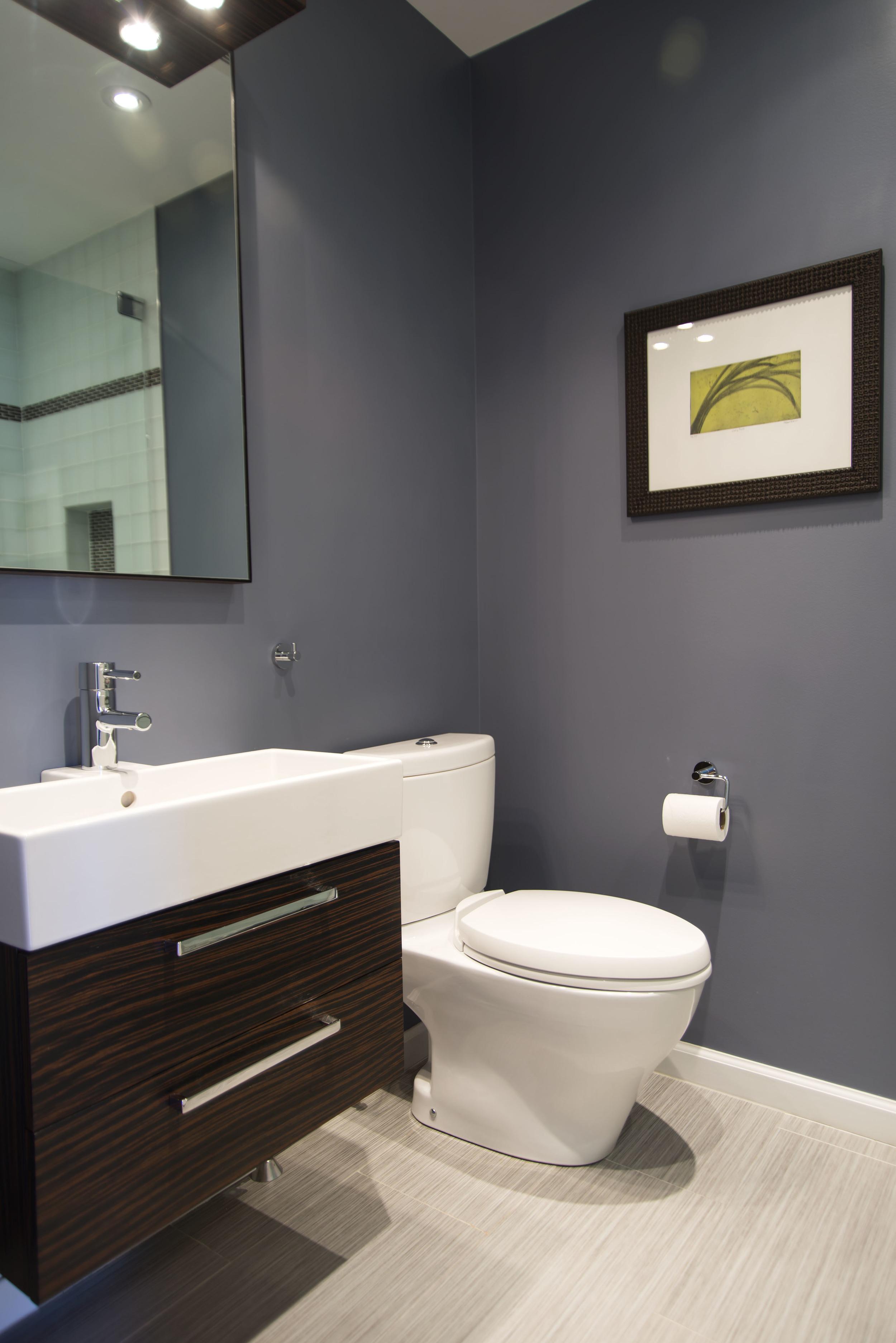 16-Guest-Bathroom-Up-4875.jpg