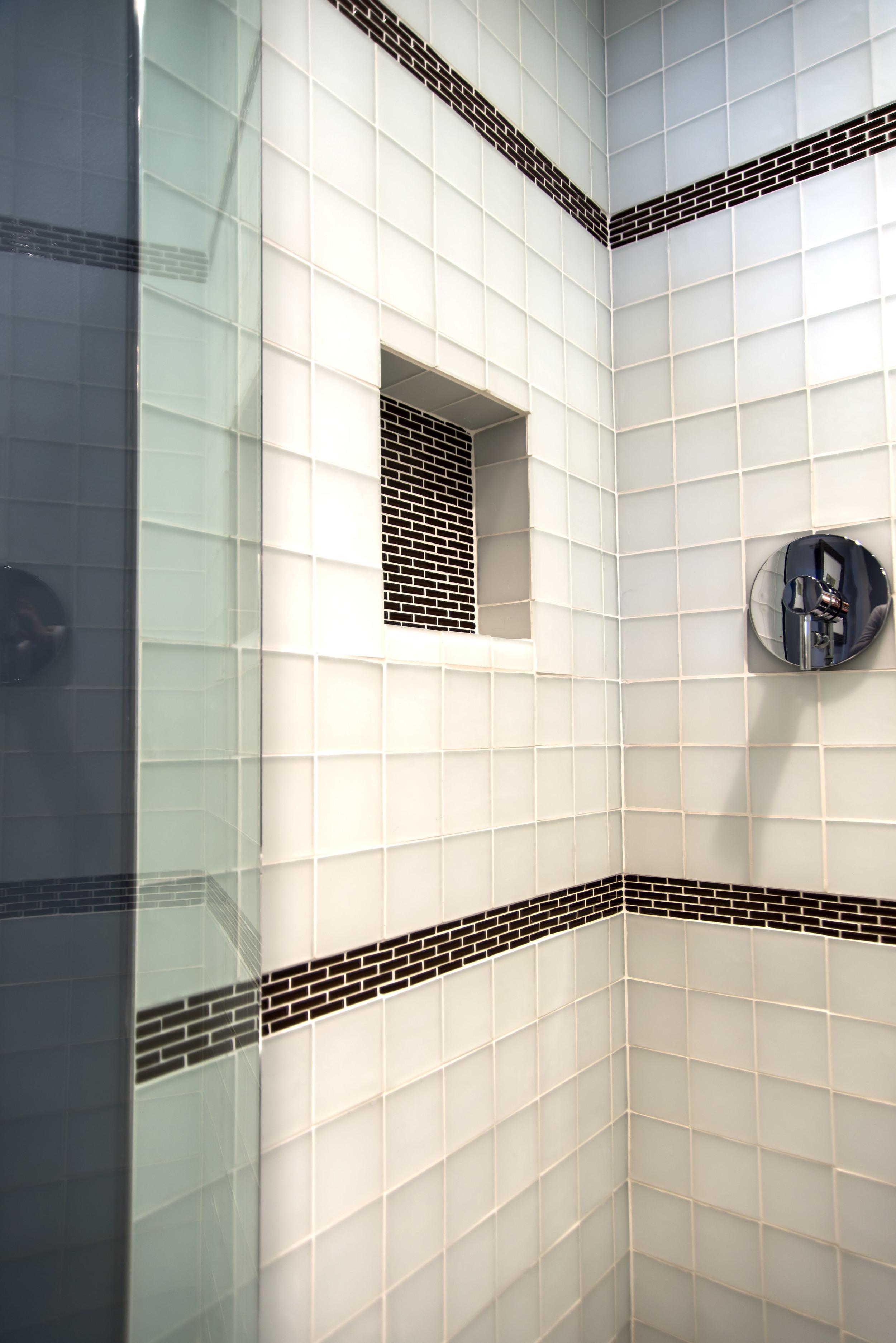 17-Guest-Bathroom-Up-Shower-4872.jpg