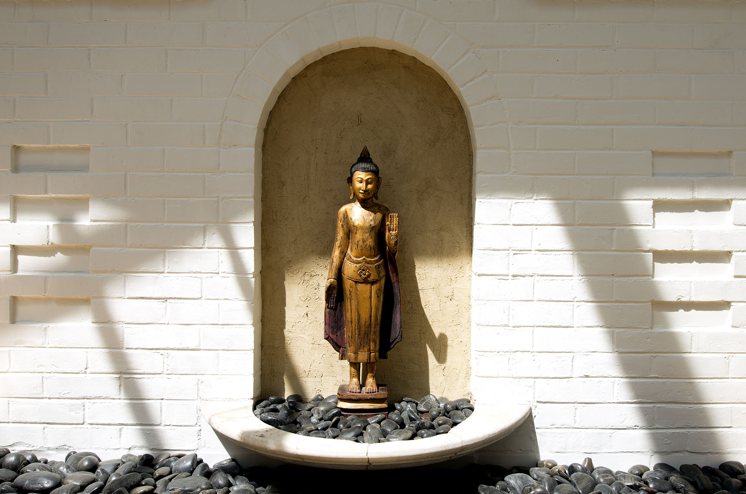 15-Kitchen-Detail-Buddha.jpg
