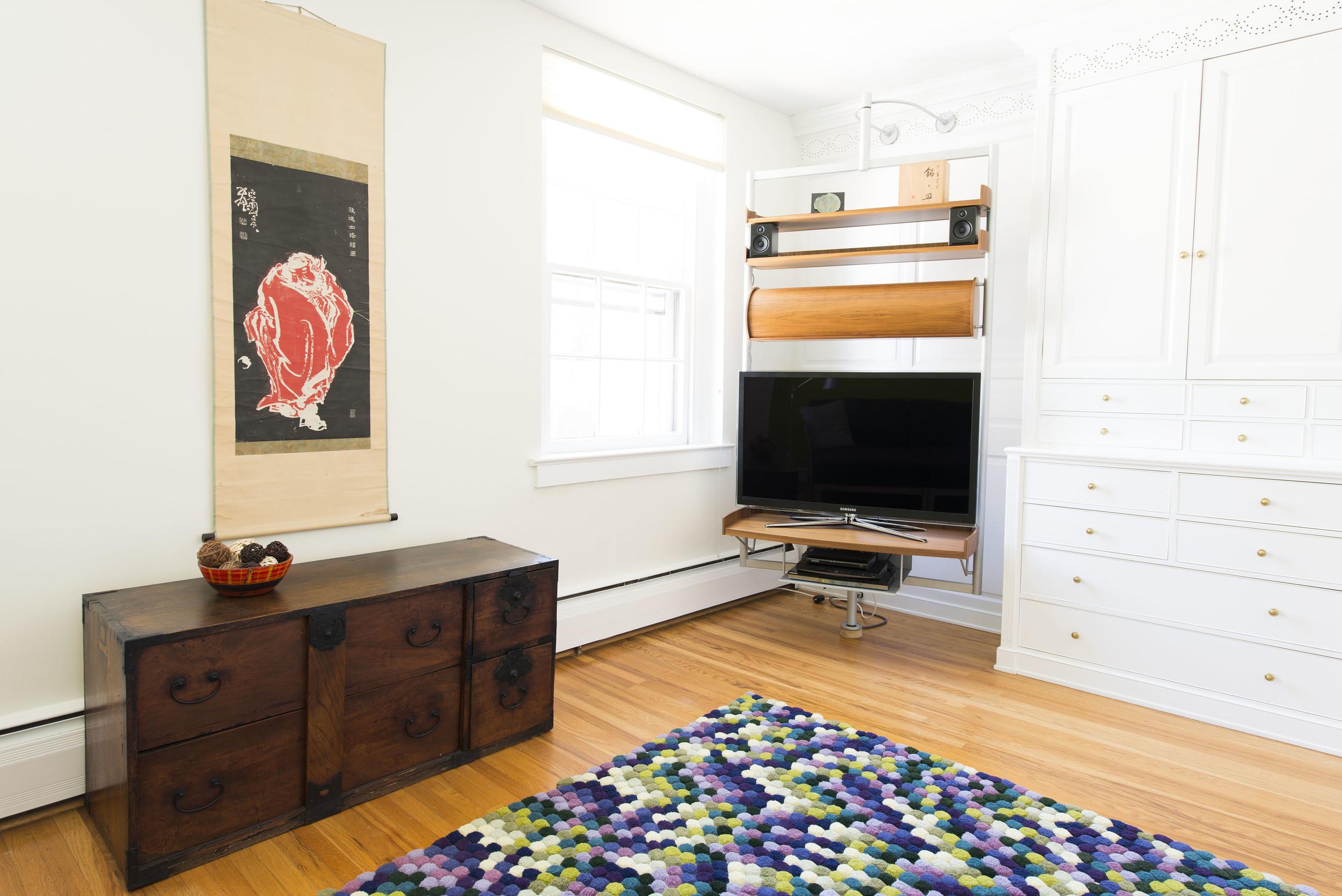 24-TV-Room-Shelf-4913.jpg