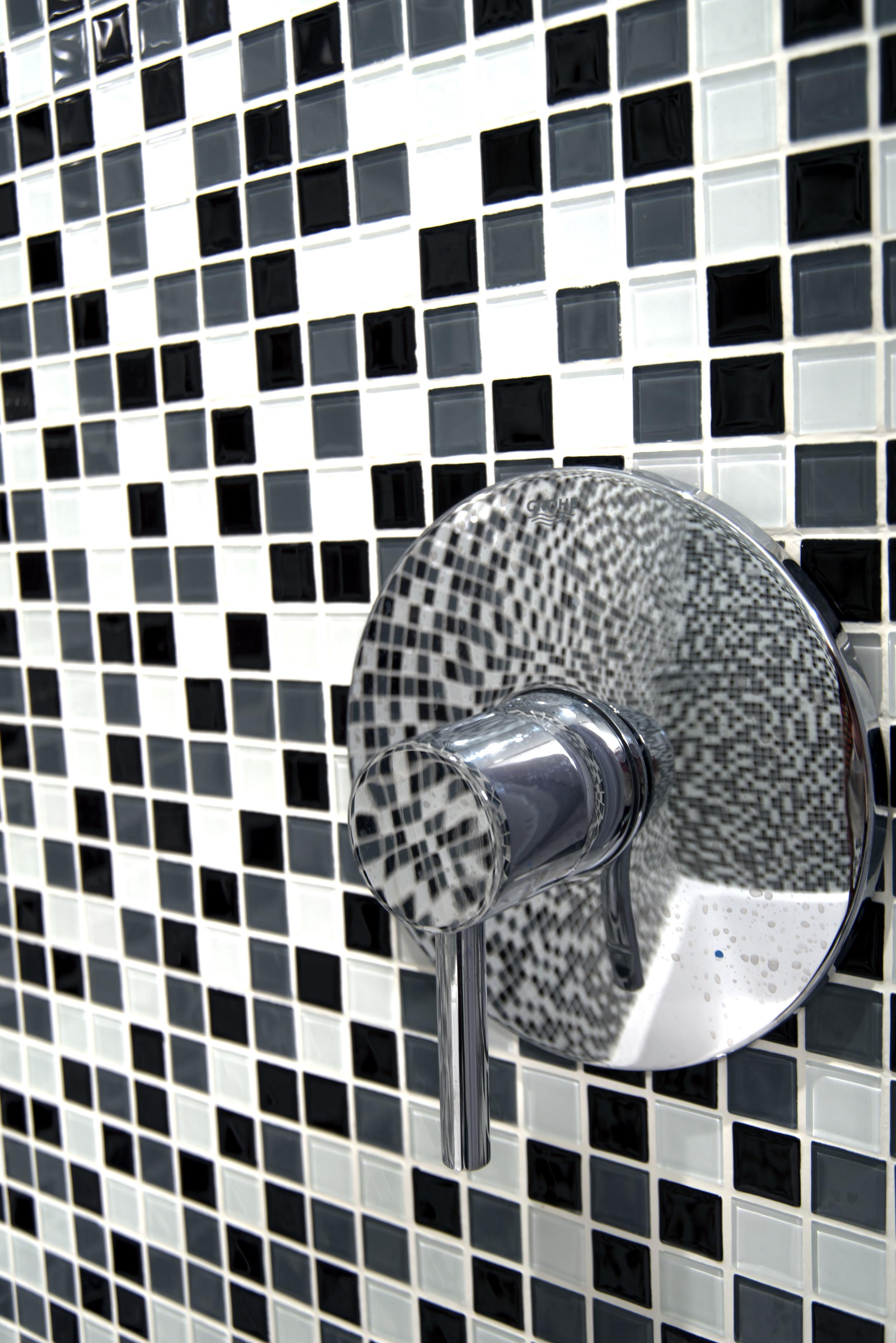 29-Guest-Bathroom-Down-Detail-4923.jpg