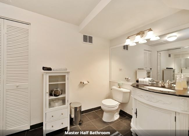 wicker park condo bathroom.JPG