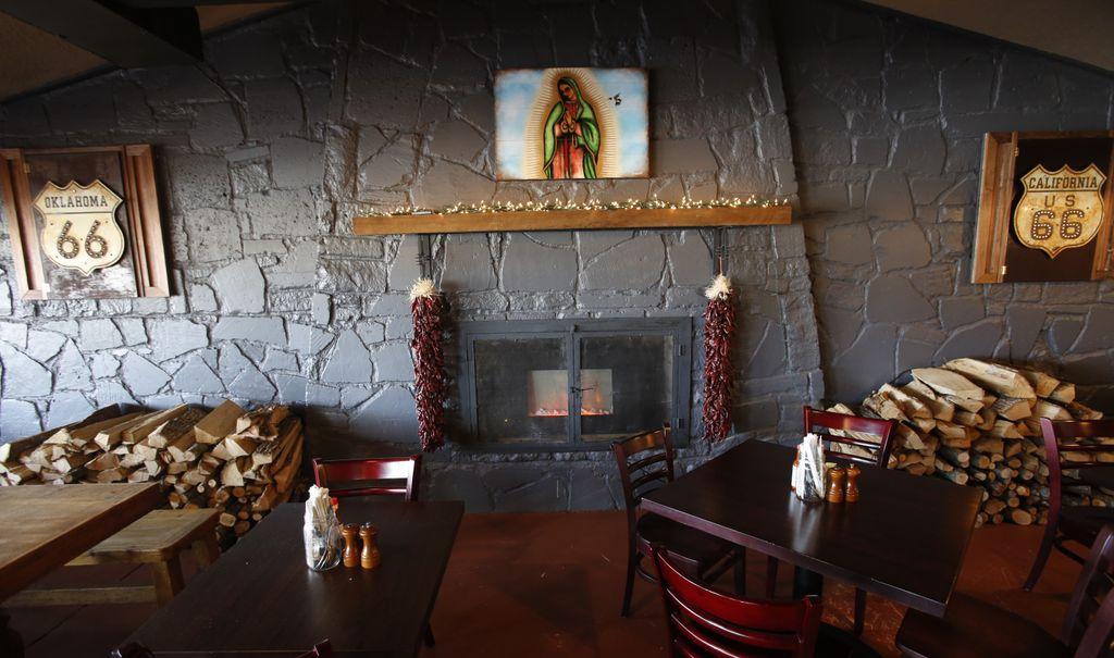 gckrt66_fireplace.jpg
