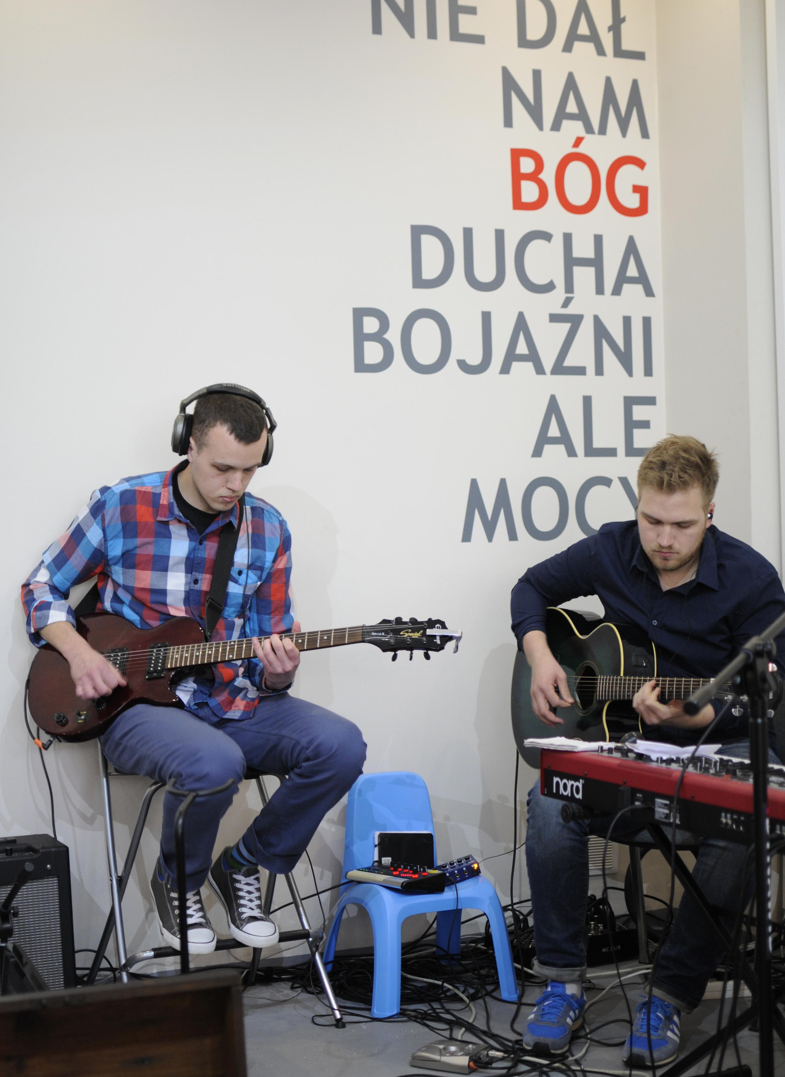 zielona gitara gościnnie  calle, tak nam ciebie brakuje! wracaj na polską ziemię!!!