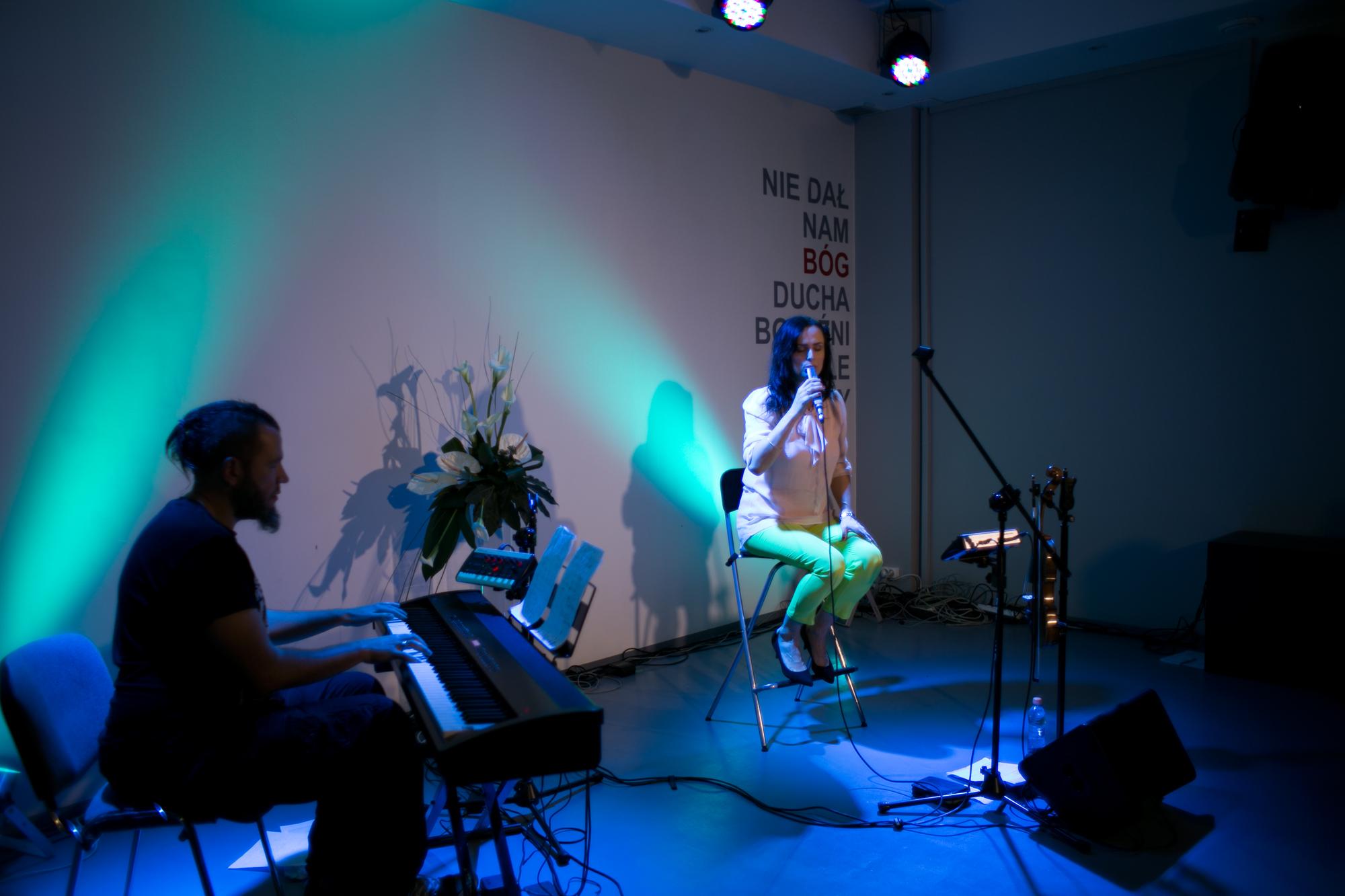 natalia między piosenkami opowiadała o swoich relacjach z Bogiem