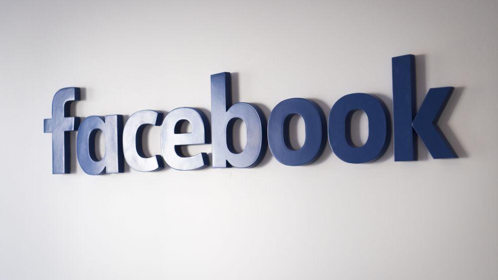 Facebook Tip Jar - https://www.google.com/amp/variety.com/2018/digital/news/facebook-gaming-creator-program-1202678150/amp/
