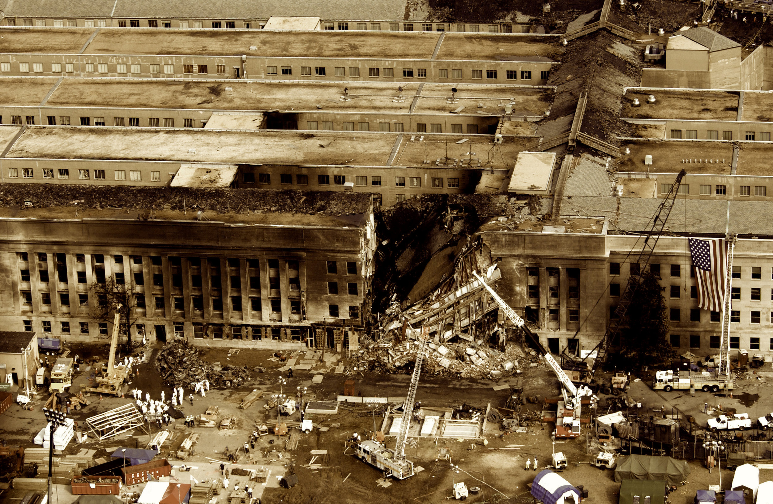 The Pentagon, During Rescue / Recovery Operations 2001/09/11