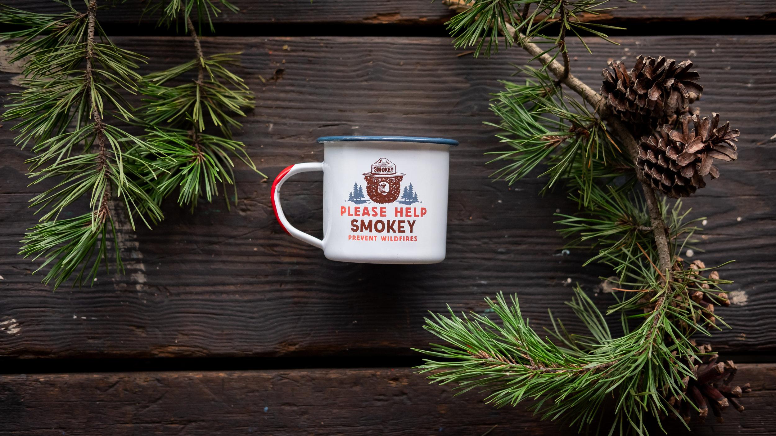 smokey-bear-enamel-mug-03.jpg