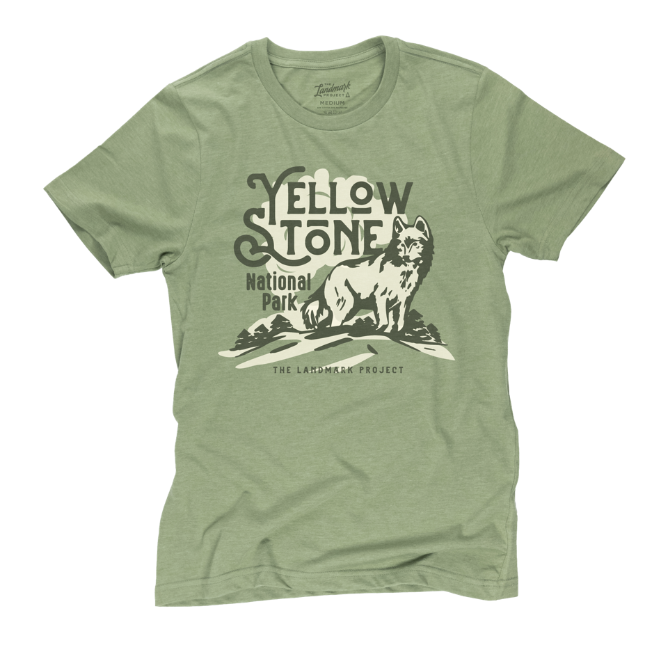 1214 Yellowstone Wolf