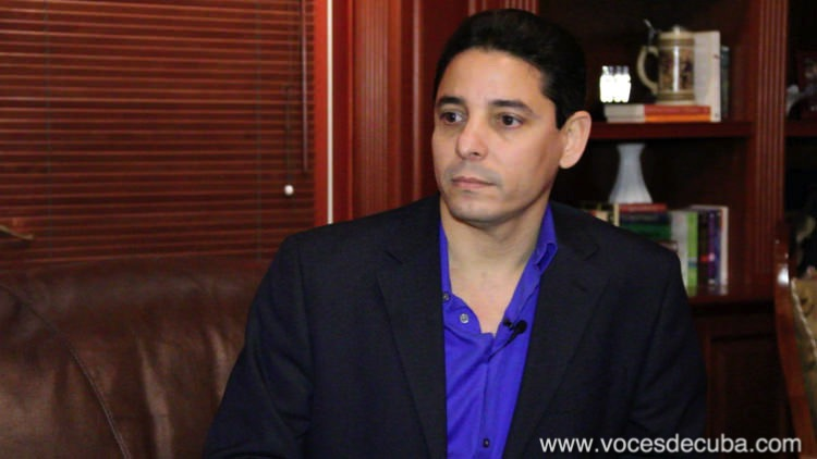 DIOSDADO GONZÁLEZ, FÉLIX NAVARRO E IVAN HERNÁNDEZ DANDO SU TESTIMONIO DESDE CUBA.