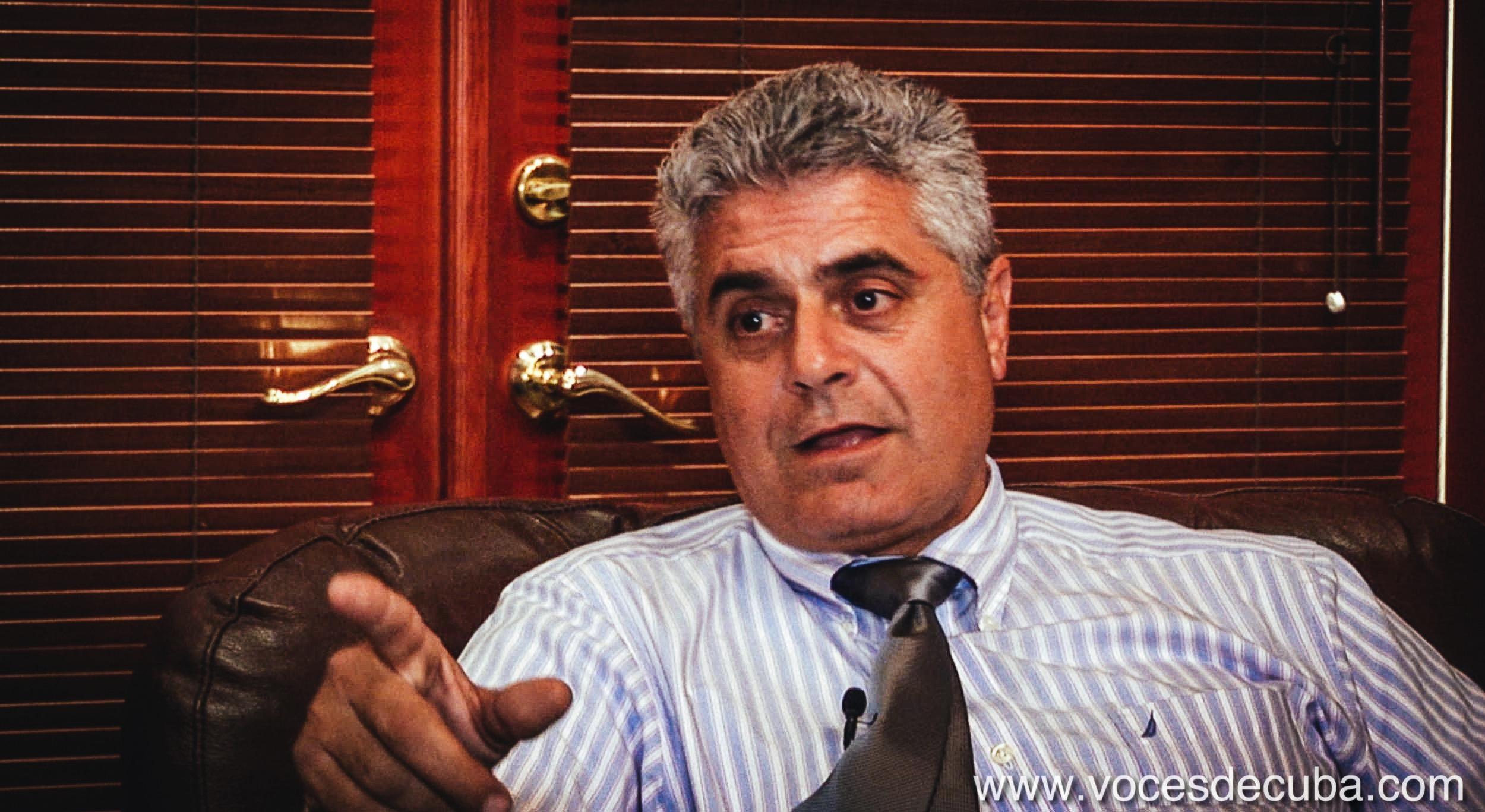 """Rodaje de """"Voces de Cuba"""" con José Miguel Martínez"""
