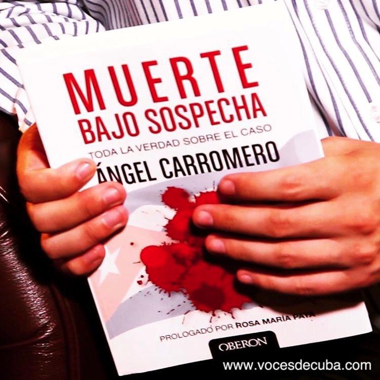 "CARROMERO CON SU LIBRO ""MUERTE BAJO SOSPECHA"""