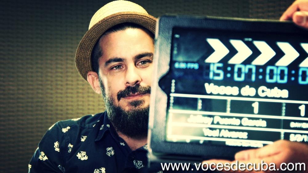"""Roberto San Martín durante el rodaje de """"Voces de Cuba"""""""