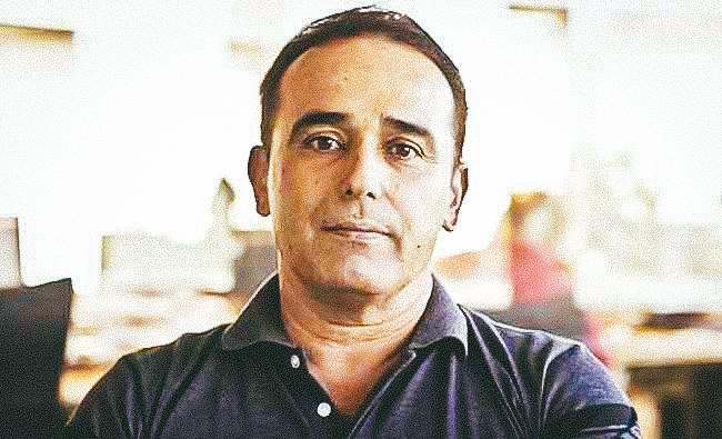 Dr Eduardo Cardet