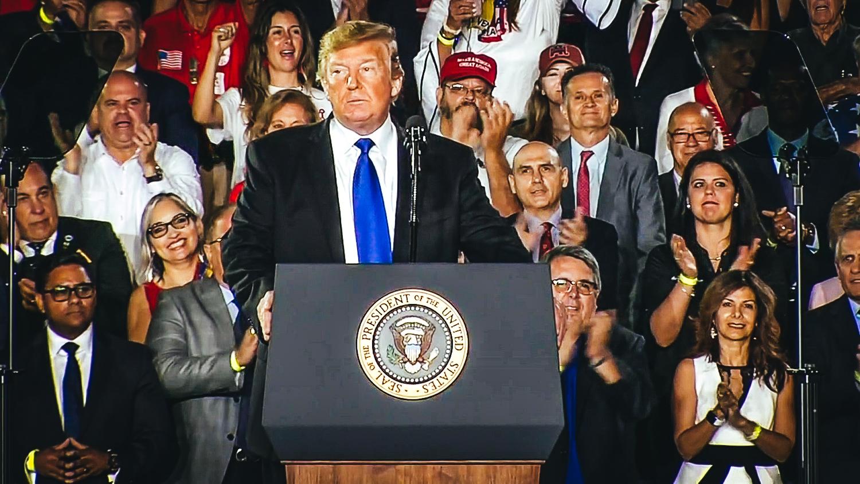 Presidente Donald Trump este lunes durante su discurso en Miami