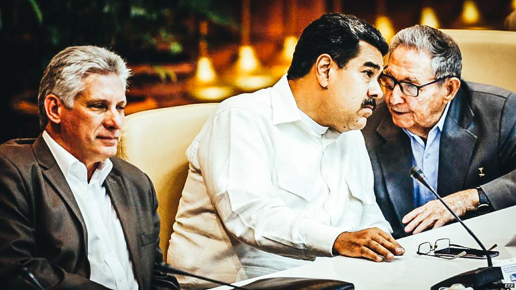 El primer secretario del Partido Comunista de Cuba (PCC), Raúl Castro (c-d); junto a los presidentes de Bolivia, Evo Morales(d); Venezuela, Nicolás Maduro (c-i) y el cubano, Miguel Díaz-Canel (i),en el Foro de Sao Paulo. 17 julio de 2018.