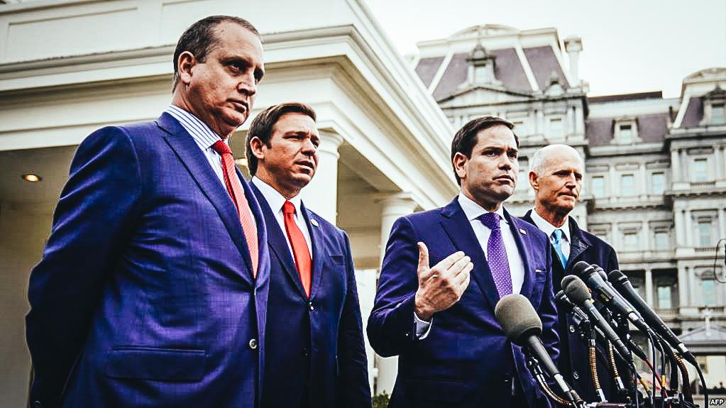 Marco Rubio (Centro), Rick Scott (der.), Mario Diaz-Balart (izq. y el gobernador de Florida Ron DeSantis. Foto Archivo