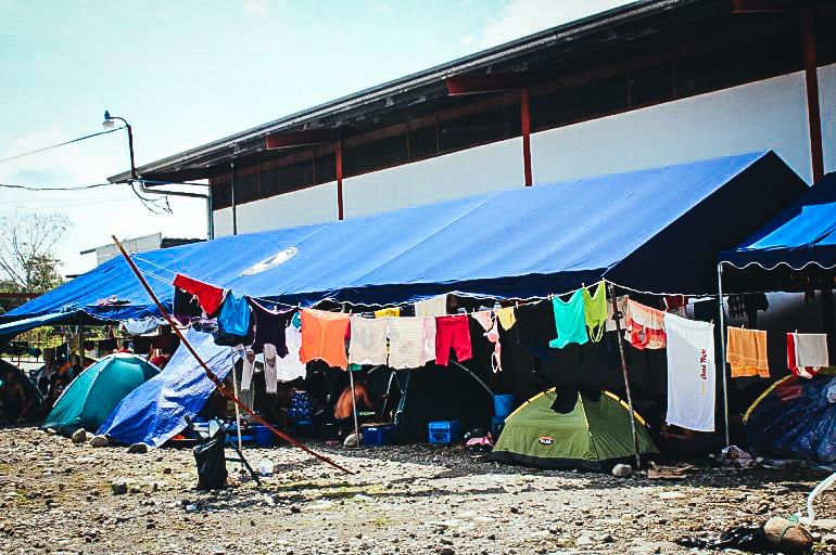 Fotografía de archivo fechada en abril de 2016 de un albergue habilitado en la localidad de Paso Canoas para acoger a migrantes cubanos varados en territorio panameño en su tránsito hacia EEUU. EFE/Archivo/Marcelino Rosario
