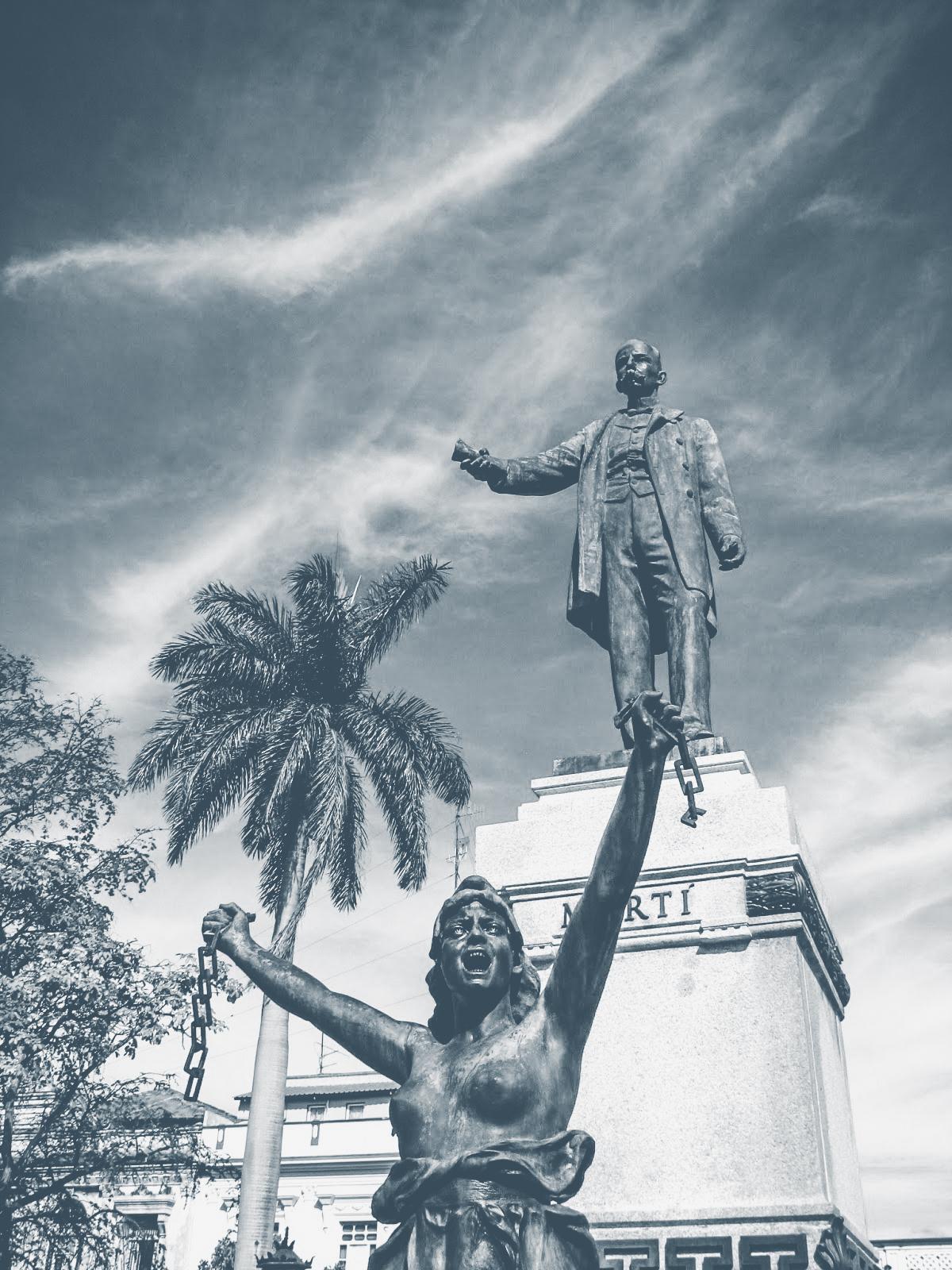 Estatua a Martī en Matanzas.jpg
