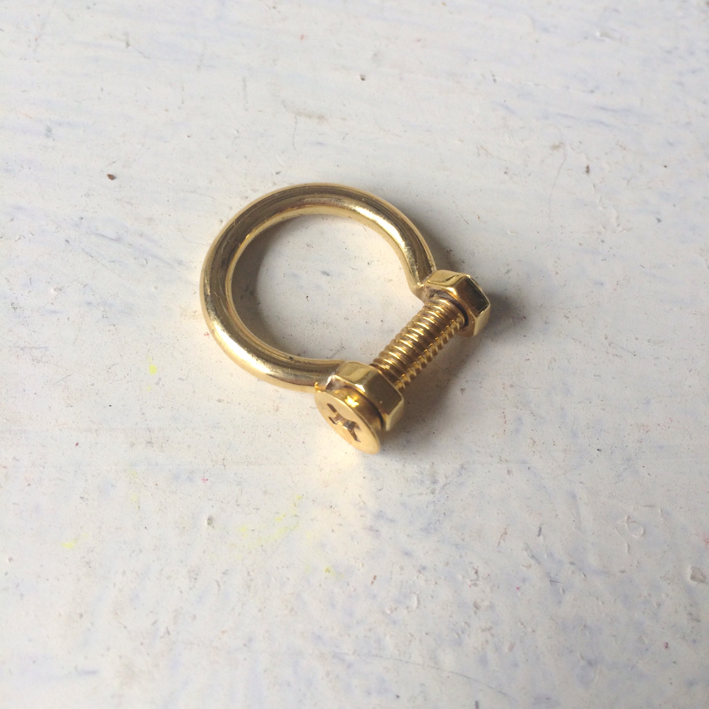 SHACKLE RING FOUND ON KENDALL JENNER.   TEEN VOGUE. 9/14