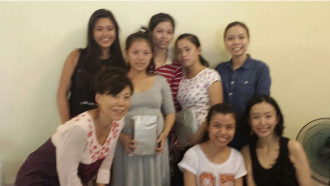 Junko, Lung, Be, No,  Mi ,  Mi,  Aya  and I at the  Phu    Hiep  shop