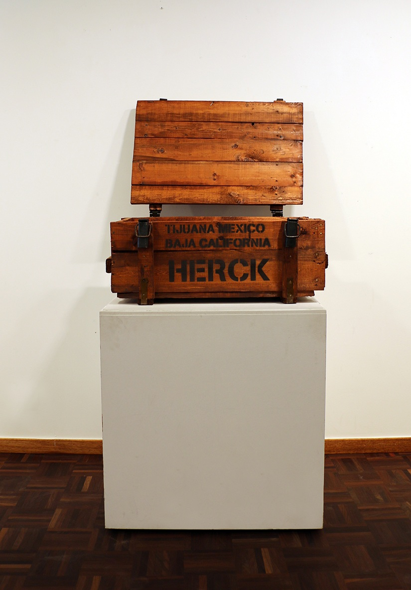 The War On Drugs  2019 Pile wooden box 32 x 75 x 48 cm Steel locks © Tom Herck