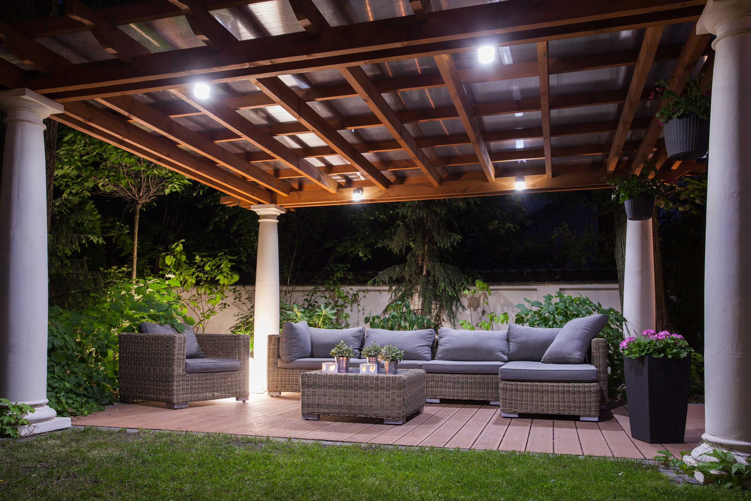 best-london-landscaper-hunter-home-garden-night-lighting.jpg