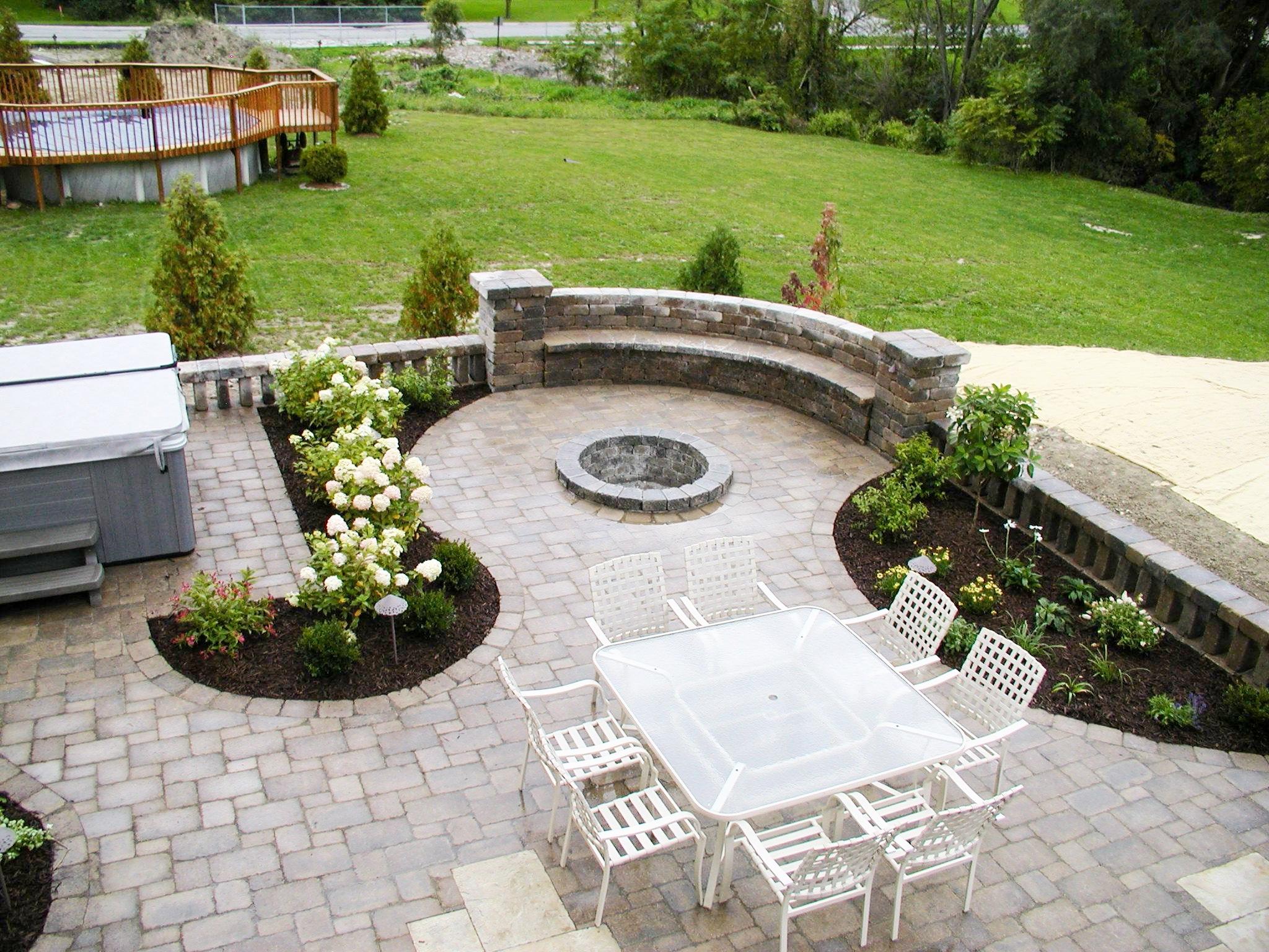 london-ontario-best-landscaper-backyard-patio-11.jpeg