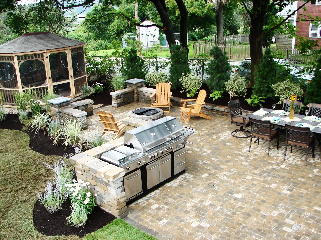 london-ontario-best-landscaper-backyard-patio-15.jpeg