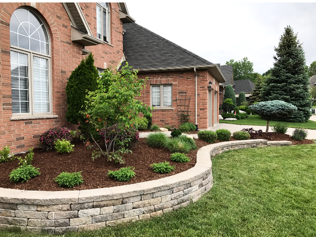 london-ontario-best-landscaper-garden-backyard-patio-13.png
